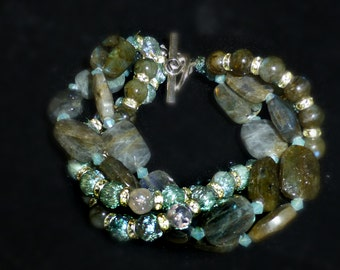 Labradorite Twist Bracelet with Crystal Rondells and Glass Beads
