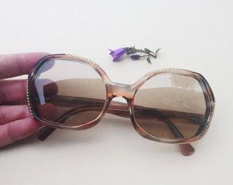 70s oversized sunglasses / Vintage deadstock womens studded frames / stud hippie mod tortoise sunglasses / French nos boho rockerEyewear