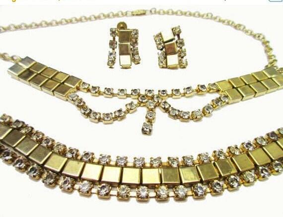 Rhinestone Gold Necklace Bracelet and earring parure set -Mid Century - Link necklace -Clear Rhinestone - Screw back earrings