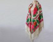 white Russian shawl, large wool shawl, warm wool throw, bohemian shawl, floral throw, Pavlovo Posad shawl, made in USSR, Soviet shawl, huge