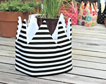 Kid Pretend & dress-up Crown birthday hat- black and white stripes hat