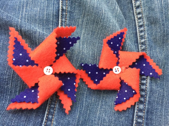 Set of 2 poka dot pinwheels hair clips.