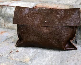 Ergo Clutch - Dark Brown Embossed Leather