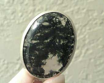 For the Love of Art. Natural Oval Moss Agate in Simple Silver Pendant on Necklace