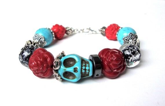 Skull bracelet with red roses, cinco de mayo jewelry, sugar skull jewelry, red blue skull bracelet, beaded skull bracelet