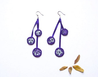 Bubbles earrings. 3 cirlces in fabric. by Mw