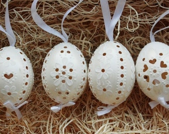 Hand painted Madeira Easter Eggs - Set of 4 White