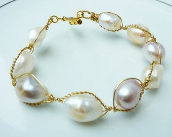 Antique Ivory and Pale Pink Gold Wire Twisted Pearl Bracelet
