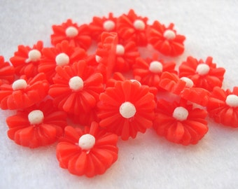 13mm Red Daisy Cabochon Pack of 20 Red Flower Flatback Embellishments CAB10