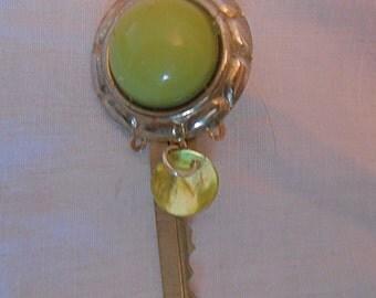 Key Pin/Brooch, Soft Green