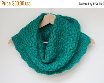 CLEARANCE Cowl green wool knit knitted Infinity Loop Shawl scarf circular ooak neckwarmer handmade grass emerald scalloped openwork