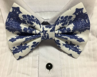 Vintage Chinosoire Blue China Print Bowtie / Bow Tie