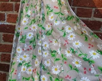 SPRING CLEANING SALE Vintage 70s 80s Novelty Print Daisy Happy Grasshopper Midi Length Skirt