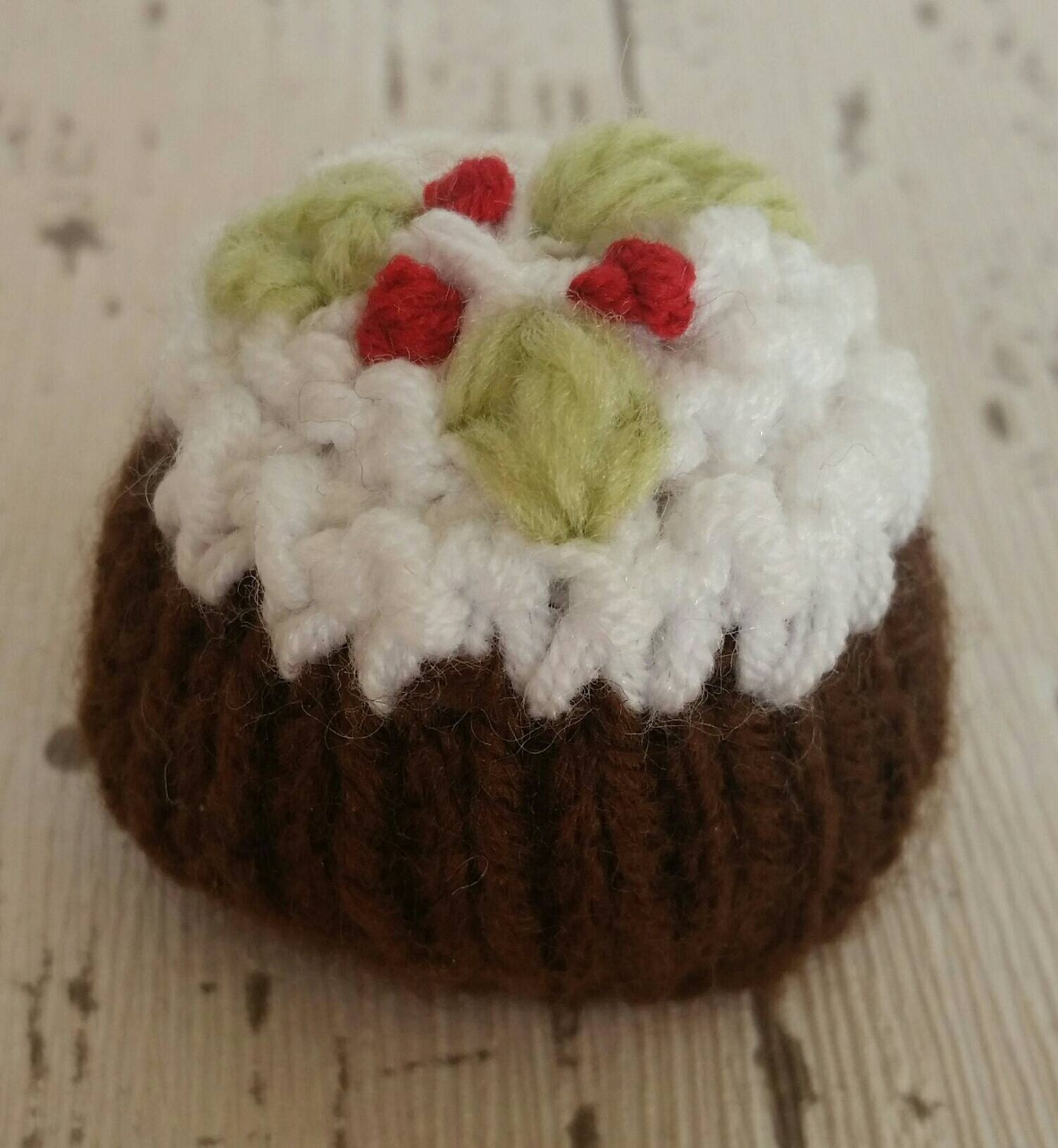 Knitting Pattern Christmas Pudding Ferrero Rocher : Christmas Pudding knitting pattern Lindt Lindor or Ferrero