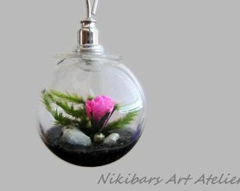 Vial Flower Necklace, Botanical Necklace, Glass Rose Terrarium Necklace, Moss Pendant, Rose Pendant, Miniature Garden Pendant Necklace,
