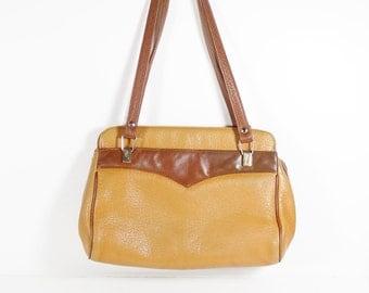 Vintage International Fashion Leather Two-Tone Purse