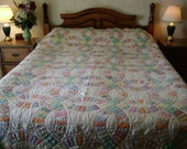 SALE 1930's Double Wedding Ring Quilt, Hand Quilted, Beautiful Condition