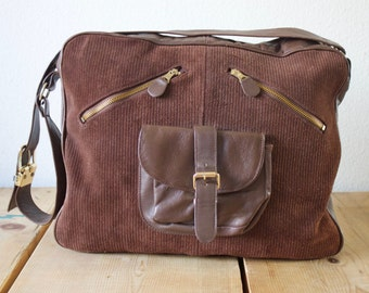 Vintage 1990s Trendy Stylish Brown Leather Shoulder Bag Made In Colombia