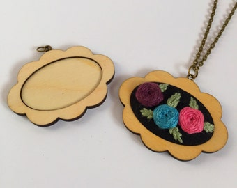 Scalloped mini embroidery hoop blank pendant necklace kit
