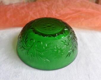 Green Berry Bowl - Sandwich Glass, Anchor Hocking - Vintage - Stunning!