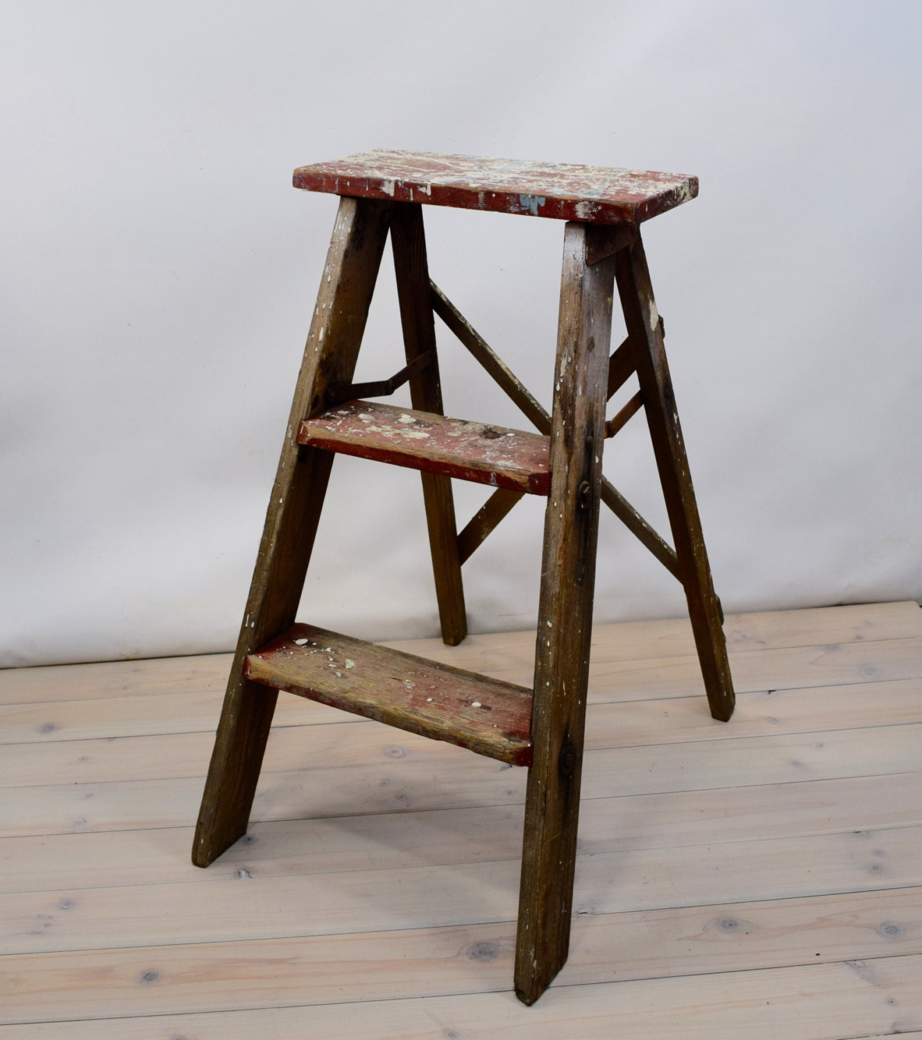 step stool kitchen stool shabby chic wood stool wood. Black Bedroom Furniture Sets. Home Design Ideas