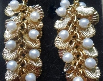 Vintage golden shell and pearl earrings