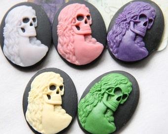 6 pcs of resin skull cabochon 30x40mm