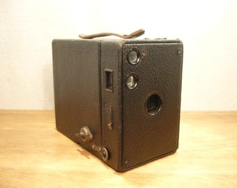 Vintage 1920s Kodak No 2A Brownie camera, Model B
