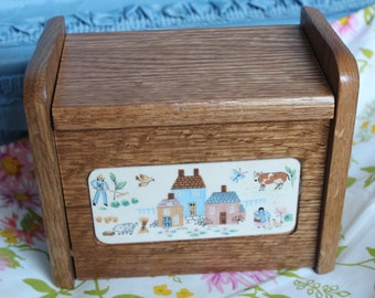 1970's Good Wood Homestead Hanging Recipe Box