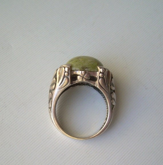 Celtic Clovers Green Connemara Marble Ring Size 7 25 Ornate