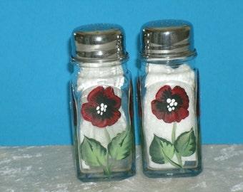POPPY salt and pepper shakers