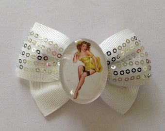 Sequin Glass Pin Up Cameo Bow