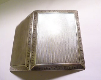 Unique antique gifts ASPREY sterling silver cigarette case gifted by Evan Frederic Morgan, 2nd Viscount Tredegar solid silver case