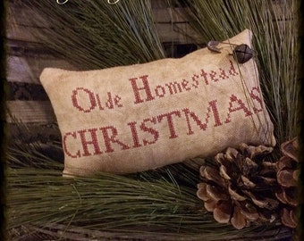Primitive Christmas Pillow | Pillow Tuck | Stitchery | Primitive Christmas Stitchery | Primitive Decor | Pin Keep | Primitive Christmas |