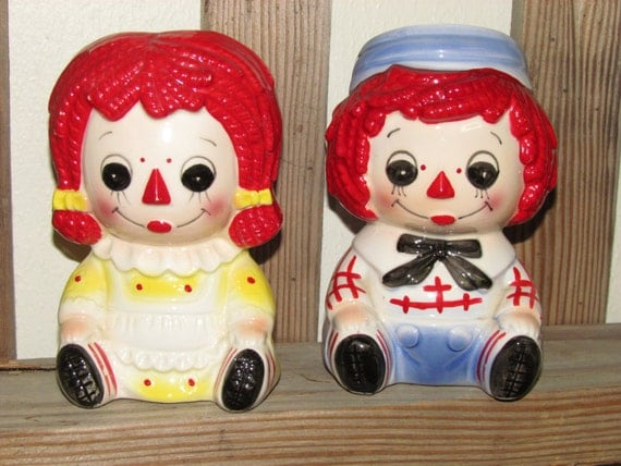 Rubens originals head planters of Raggedy Ann and Andy, 1976 Rubens originals, Raggedy Ann and Andy collectibles, Small chips hence price