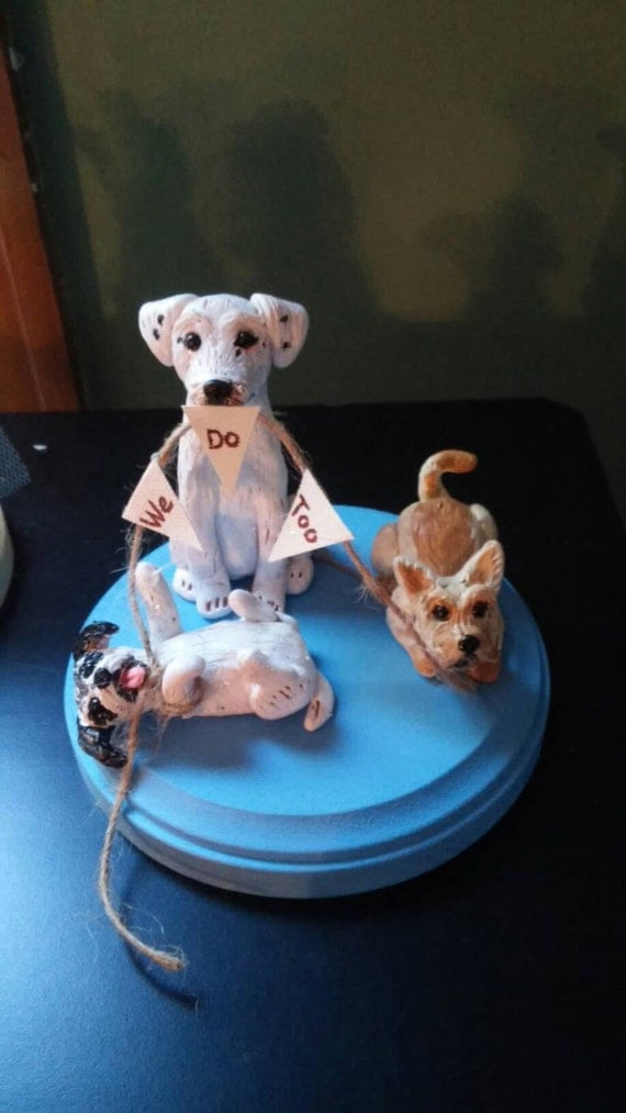custom wedding cake toppers with dogs items similar to custom made wedding cake toppers 13262