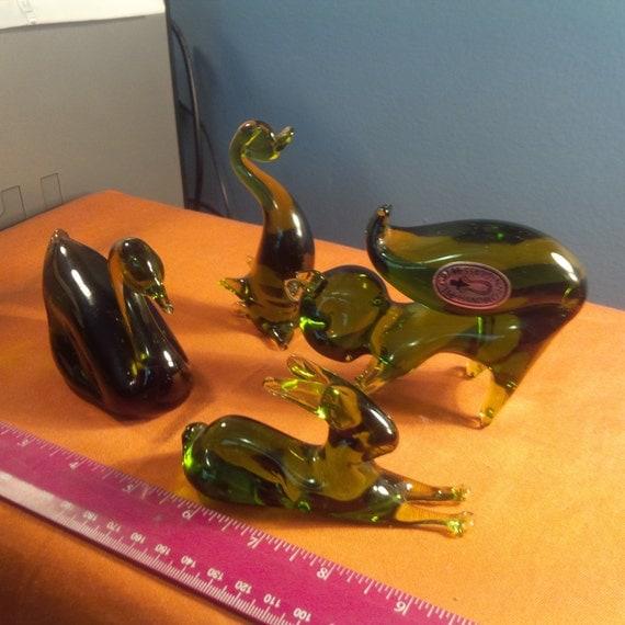 Vintage Pilgrim Glass Figurines Lot of 4 Squirrel Rabbit Swan Duck Olive (bbb)