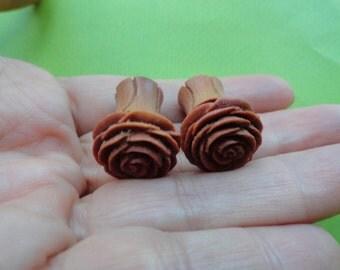 Rose wood fake gauge plug earrings