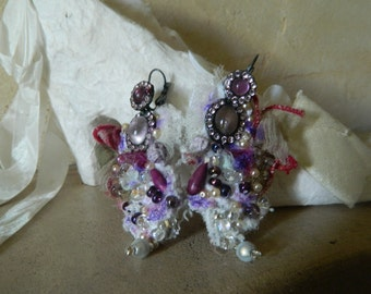 Lace romantic earrings with pearls and glass