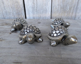 Sea Turtle Tortoise  Knob - Antique Silver Pewter Decorative Dresser Drawer Pulls - Beach Nautical Shabby Chic Romantic Country