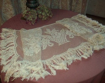 A superb top of old furniture, used valance or curtain