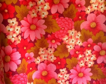 Scandinavian fabric vintage mod in Pink and red. Made in Sweden, lovely floral pattern.