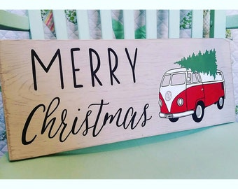 Custom VW Bus Merry Christmas Sign. Christmas Tree Sign. Christmas at the Beach. Vintage Volkswagen Decor. Hand Painted Rustic Wood Sign.