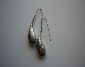 Vintage Long Sterling Silver Water Tear Drop Hook Dangling Earrings