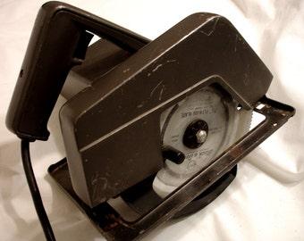 """Vintage Montgomery Wards 7"""" CIRCULAR SAW TPC-8104A"""