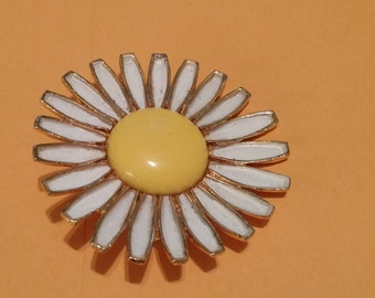 Vintage Weiss Sunflower Brooch Signed.