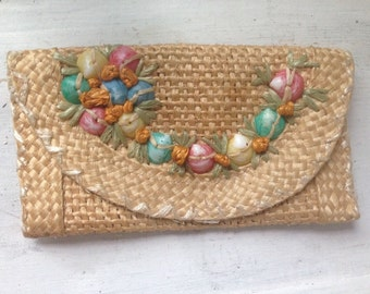 vintage 1930s beach wallet coin purse basket weave embroidered shells beige pastel colors