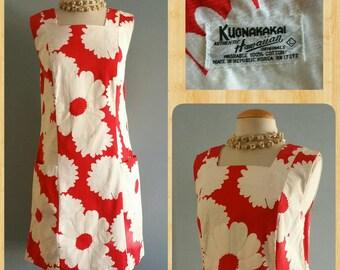 1960s Hawaiian shift dress by Kuonakakai authentic Hawaiian originals.