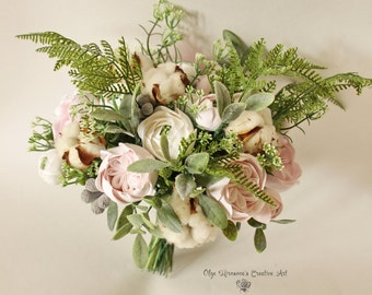 Alternative wedding bouquet Keepsake bouquet Boho Untailored bouquet Bridal bouquet with garden roses Clay flowers White Pink blush green
