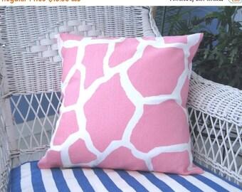 Pillow Cover, Pillow, Pink Giraffe Pillow, Decorative Pillow, Decorative Throw Pillow, Throw Pillow, Giraffe Pillow, Baby Girl Nursery